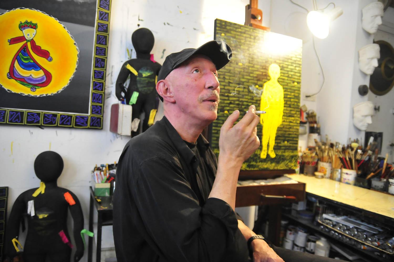 תמונת פתיחה לוידאו, מאיר פיצ'חדזה בסטודיו